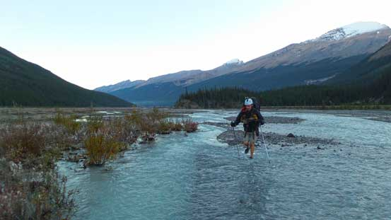 A cold but easy crossing of Sunwapta River