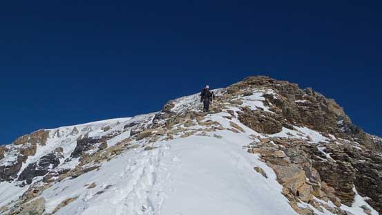 Descending easy slopes towards Woolley/Diadem col