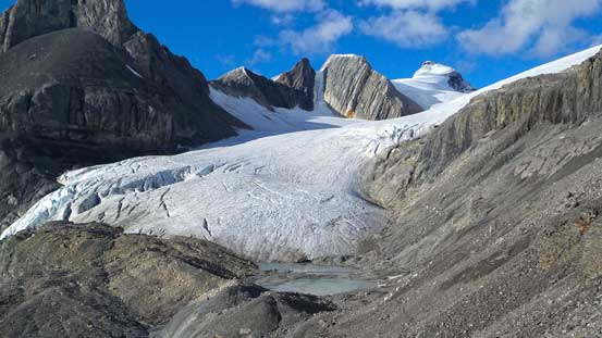 The South Rice Glacier that eventually leads up to Mt. Spring-Rice - another sexy peak I might go back for.