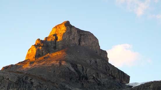 The unnamed peak on evening glow