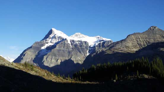 Just as picturing Mt. Robson, it's very difficult to show how big Mt. Bryce is...