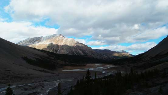 On the descent from Nigel Pass down towards Brazeau River