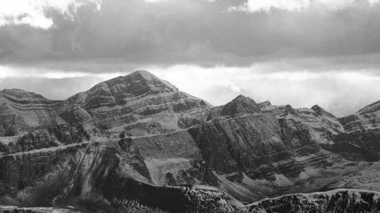 The back side of Sunwapta Peak surely looks more impressive!