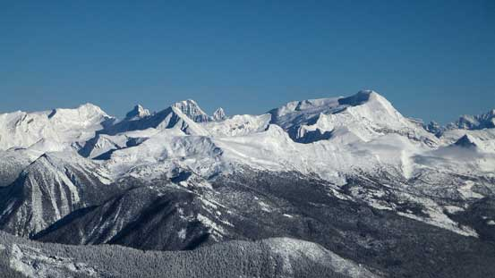 """Behind """"Jenette Peak"""" on the left skyline we could see the Ramparts"""