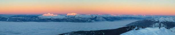 Panorama of the alpenglow. Click to view large size.