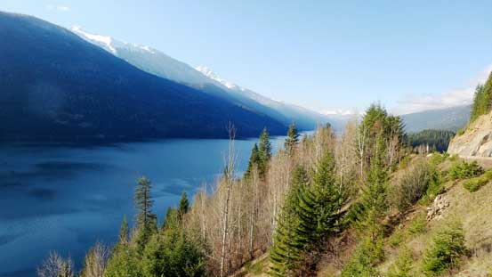 Lake Revelstoke. This's my first time seeing this lake