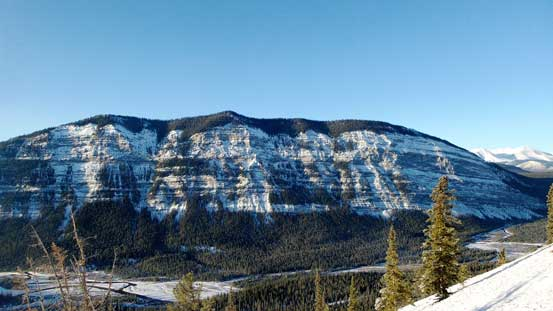 Behind us across Red Deer River is Labyrinth Mountain