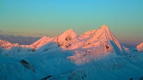 Mt. McNaughton on alpenglow