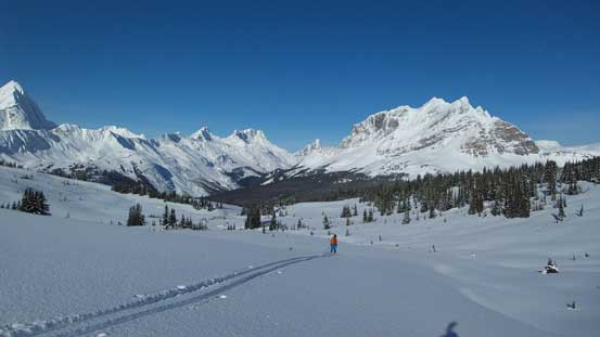 We had to drop another 250 m or so to get around to central Miette Pass