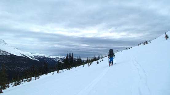 Back onto the highline traverse