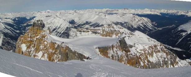 Another panorama from the summit showing the glacier. Click to view large size.