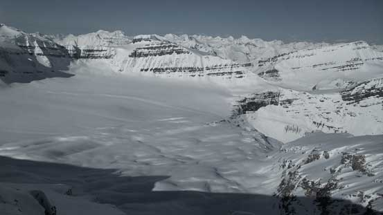 The very flat Barbette Glacier