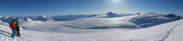 Another panorama of Columbia Icefield from the summit. Click to view large size.