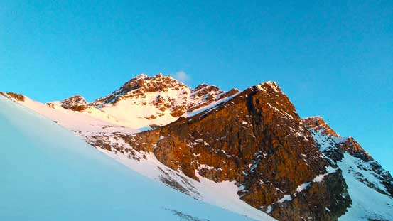 Alpenglow on the East side of Bennington Peak