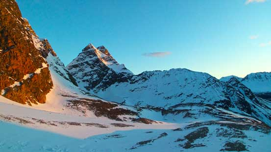 Alpenglow on Paragon Peak, one of the easier summits on the Ramparts