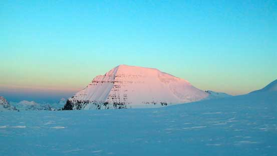 Alpenglow on South Twin, our objective