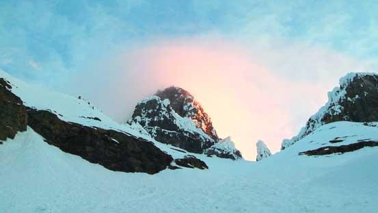 Gorgeous morning light shone on the upper mountain