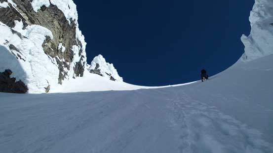 Dropping into the couloir, also the shooting gallery...
