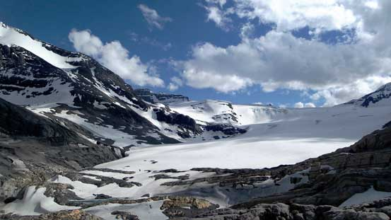 Slowly dropping down towards Mons Glacier