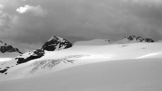 Looking towards the remote Mons Icefield summits including Cambrai Mountain
