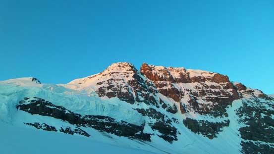 Alpenglow on Mt. Rosita - a sub-peak of Mt. Forbes