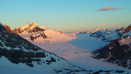 Another picture showing alpenglow on Mons Peak and Mons Icefield