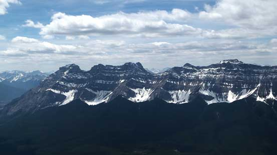 Just like the nearby Rundle, Cascade Mountain is also a long one