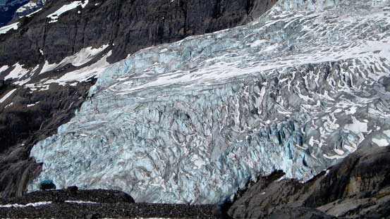 A zoomed-in view of the Lyell's icefall