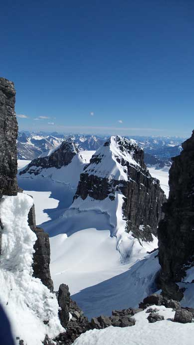 Here's the view of the North Ridge of Lyell IV...