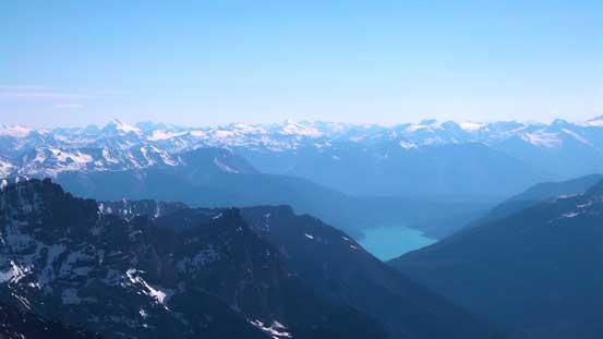 We could also see Kinbasket Lake at more than 2500 vertical meters below