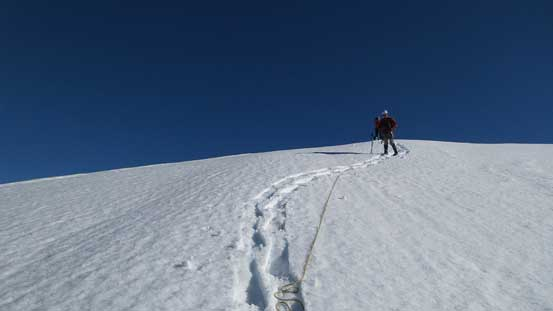 Descending towards Lyell I/II col