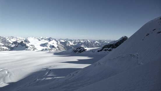 A view from partway down the steep slow beneath Lyell I/II col