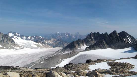 From the NE Ridge/shoulder, looking towards Catamount Glacier and Scotch Peaks