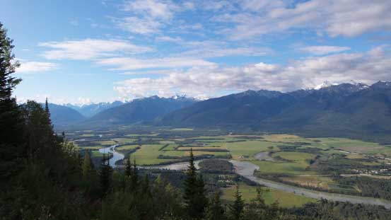 "A view of the Fraser River Valley from the ""halfway viewpoint"""