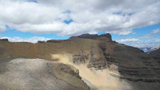 Around the first shoulder, looking ahead towards Corona Ridge