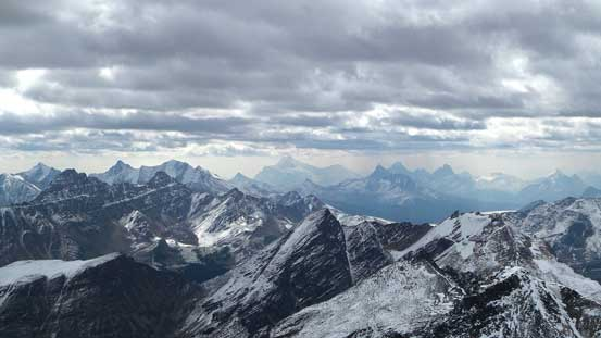 Another picture looking towards Edith Cavell and Tonquin area