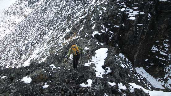 Almost down to Fitzwilliam/Bucephalus col, time to think about the next objective