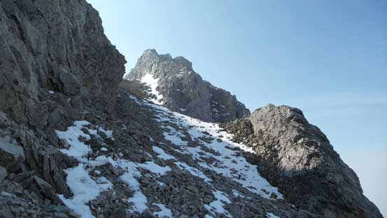 Traversing on a scree bench while losing height