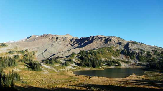 Panorama Ridge with Mimulus Lake in front