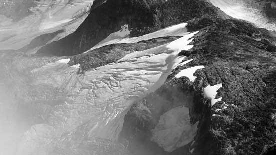 A fractured glacier