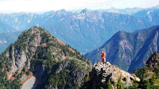 Al posing along the ridge. Mt. Pierce behind