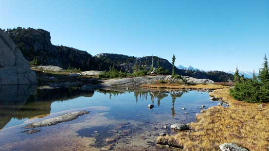 The same tarn, from a different angle