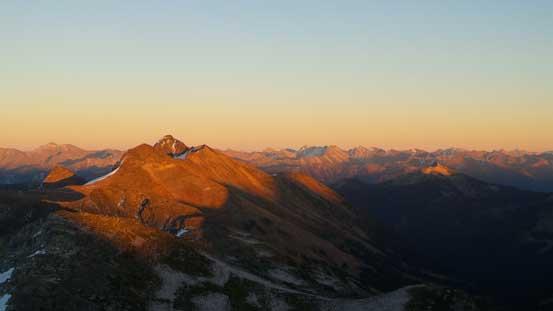 Evening glow on Prospector Peaks (L, fg)