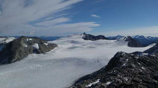 Cresting the SE Ridge, I got to see this expansive view of Weart Glacier