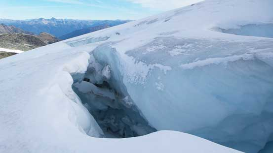 One of the monster sized crevasse...