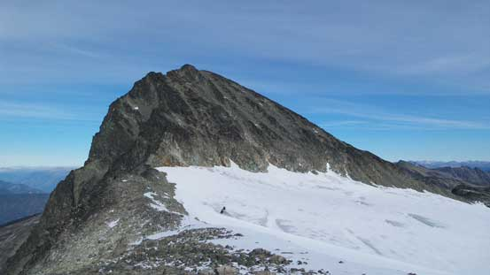 On the south ridge extension, looking ahead