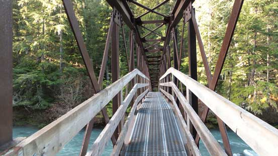 The bridge crossing Cheakamus River