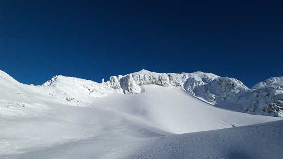 The south glacier with the summit above