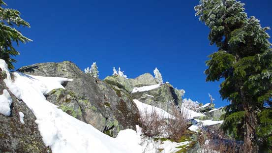 The rocky step on the summit block