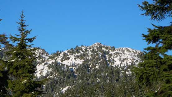 A glimpse of Pump Peak (Seymour 1st peak)